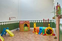 Patio guarderia infantil la comenta en Usera Madrid